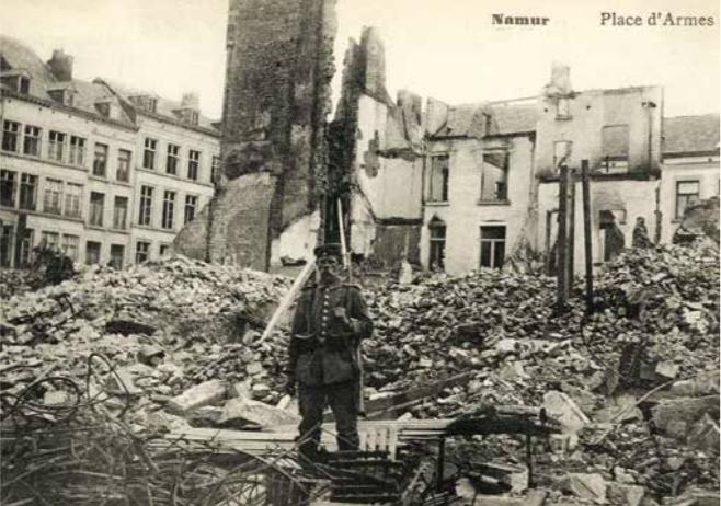 5. Carte postale illustrant des dommages de guerre à Namur en 1914 (Province de Liège, Musée de la Vie wallonne).